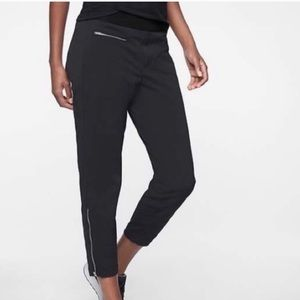 Athleta Trekkie Zipper Crop Pants - Black - 12